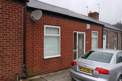 2 bedroom terraced bungalow to rent - Millburn Street, Millfield, Sunderland SR4