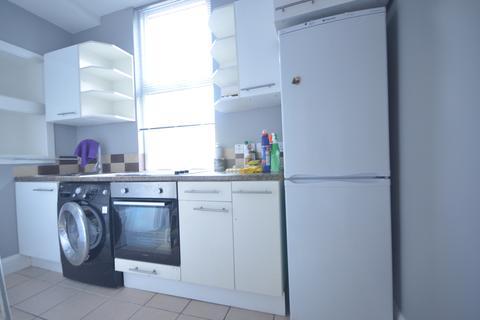 4 bedroom apartment to rent - Burdett Road , London  E3