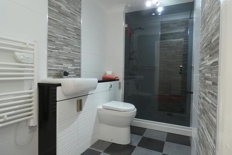 2 bedroom flat for sale - Sanderson Villas, St James Village, Gateshead, Tyne and Wear, NE8 3DE