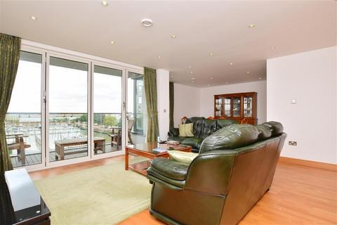 2 bedroom flat for sale - Pier Road, Gillingham, Kent