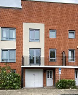 3 bedroom townhouse to rent - Battle Square,  Reading,  RG30
