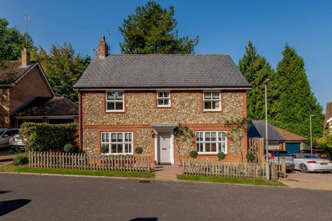 4 bedroom detached house for sale - Beechcroft, Chesham Road, Berkhamsted, Hertfordshire, HP4