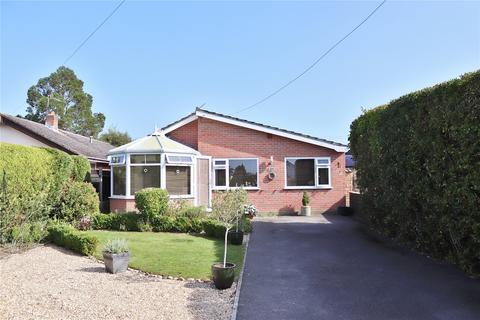 4 bedroom bungalow for sale - Woodlinken Close, Verwood, Dorset, BH31