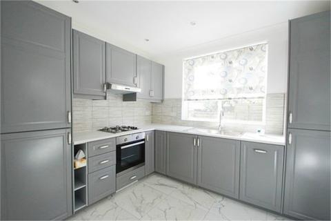 2 bedroom flat to rent - Lyne Court, Meadowbank Road, London