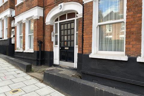2 bedroom apartment to rent - Theatre Street, London, SW11