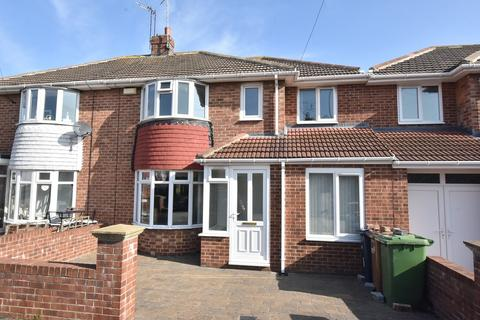 3 bedroom semi-detached house for sale - Kentmere Avenue, Fulwell
