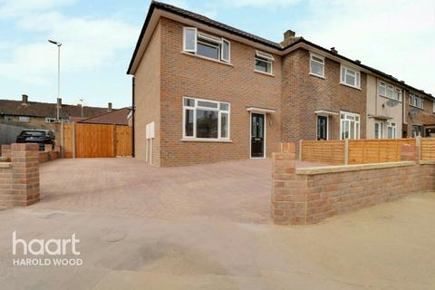 2 bedroom semi-detached house for sale - Daventry Green, Romford