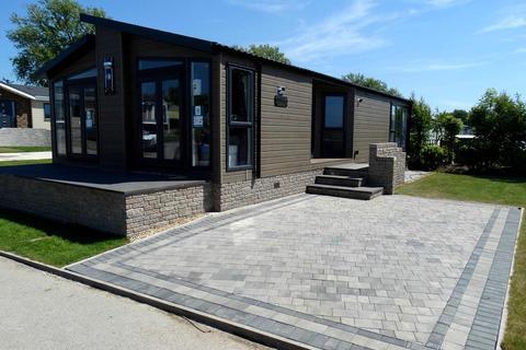 2 bedroom lodge for sale - 'Swift Whistler', Sunset Park Holiday Village, Sower Carr Lane, Hambleton, FY6 9EQ