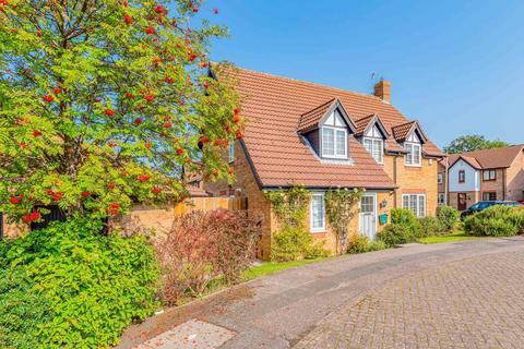 4 bedroom detached house for sale - Hollowtree Road , Hamilton , Leicester