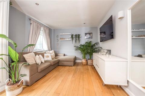 2 bedroom apartment - Fauconberg Court, Fauconberg Road, London, W4