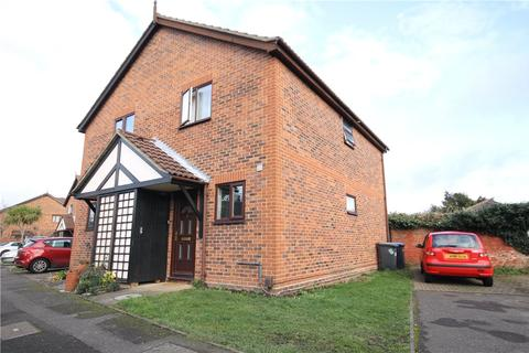 2 bedroom semi-detached house to rent - Herndon Close, Egham, Surrey, TW20