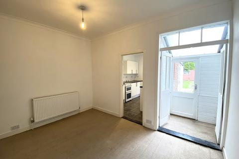 3 bedroom terraced house to rent - Drayton Road, Portsmouth