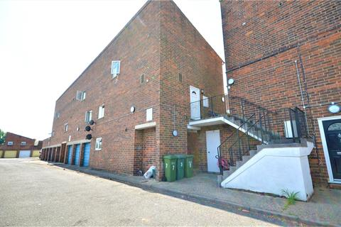 4 bedroom apartment to rent - Horley, Surrey, RH6