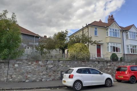 3 bedroom semi-detached house to rent - Horfield, Wellington Crecent, BS7 8SZ