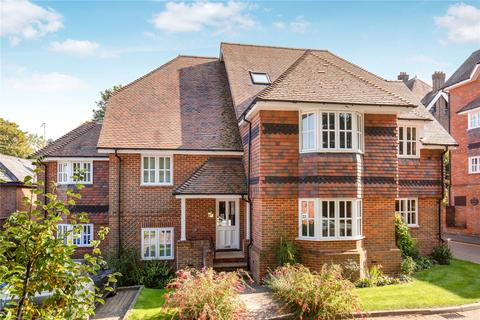 2 bedroom apartment for sale - Deans Lawn, Chesham Road, Berkhamsted, Hertfordshire, HP4