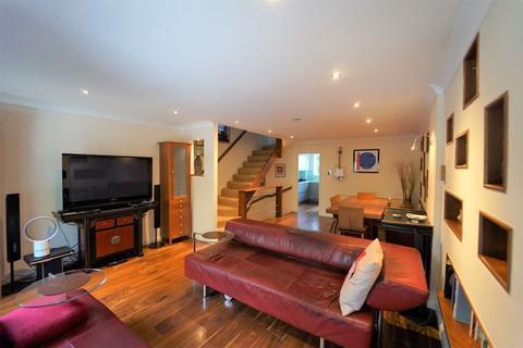4 bedroom mews for sale - GATED DEVELOPMENT - Abinger Mews, London W9
