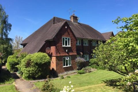 2 bedroom flat to rent - Bradbourne Park Road, Sevenoaks, Kent