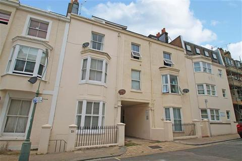 1 bedroom flat for sale - Farm Road, Hove