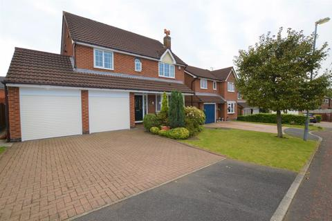 4 bedroom detached house for sale - Midgley Drive, Rochdale