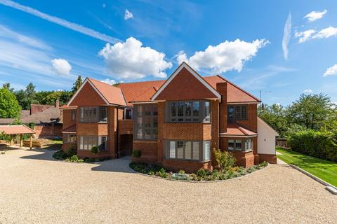 2 bedroom flat for sale - Woodchester Park, Beaconsfield, Buckinghamshire