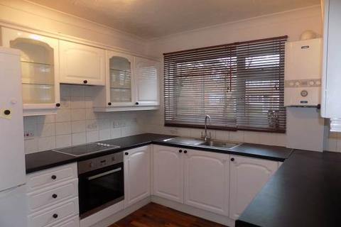 2 bedroom flat to rent - St Jerome's Grove, Hayes, Middlesex