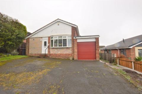 3 bedroom detached bungalow for sale - Winchester Road, Dukinfield