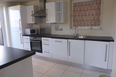 3 bedroom flat to rent - Horsted Court - P1359
