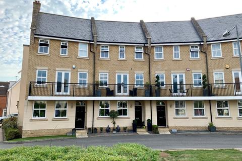 5 bedroom townhouse - Greenland Gardens, Great Baddow, Chelmsford, CM2