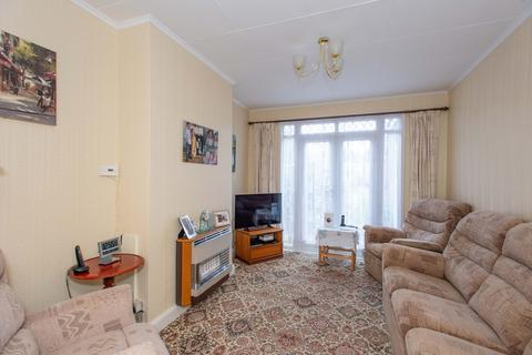 3 bedroom terraced house for sale - Sutherland Avenue, Welling, DA16