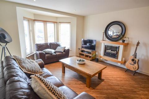 2 bedroom apartment to rent - Vesta House, Olympian Court, York