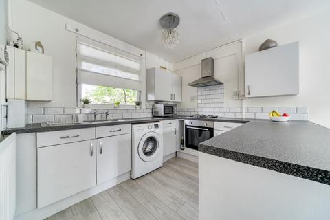 1 bedroom flat for sale - Thorne Road, London, SW8