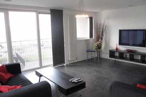 3 bedroom flat to rent - EAST PILTON FARM AVENUE, PILTON, EH5 2GA