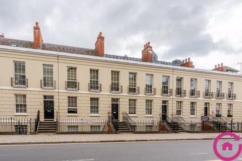 3 bedroom townhouse to rent - Clarence Parade, Cheltenham