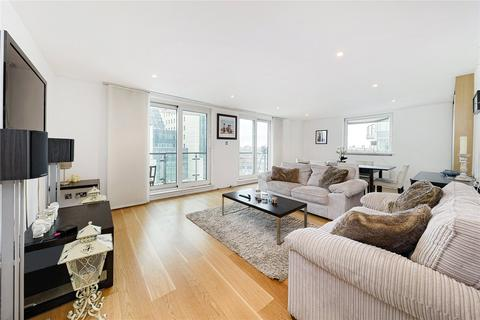 2 bedroom flat for sale - Bridge House, 18 St. George Wharf, London, SW8