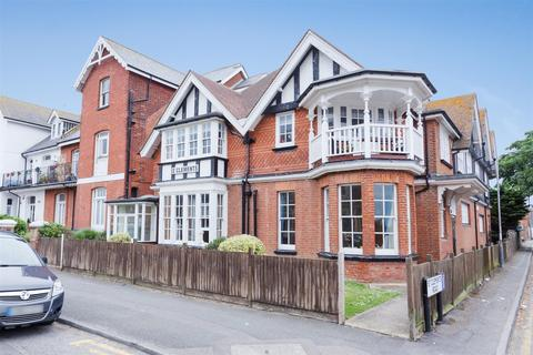 1 bedroom flat for sale - St. Mildreds Road, Westgate-On-Sea