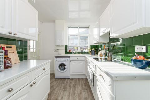 2 bedroom flat to rent - Cornel Road, High Heaton, Newcastle Upon Tyne