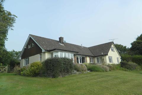 4 bedroom detached house to rent - Rewe