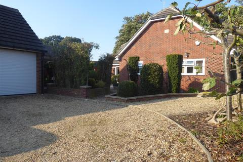 5 bedroom detached house to rent - Paston Ridings, Peterborough