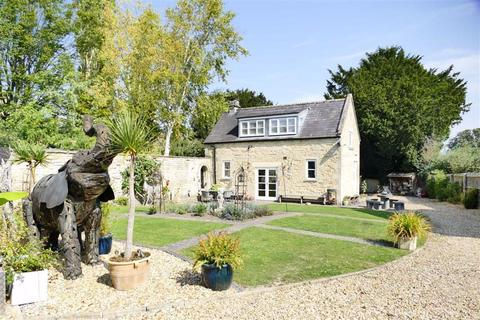 3 bedroom detached house for sale - The Green, Calne
