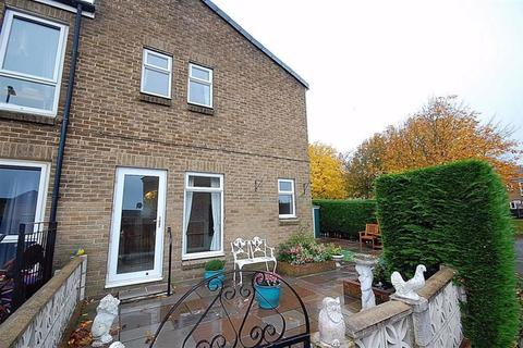 2 bedroom terraced house for sale - Coppice Drive, Netherton, HD4