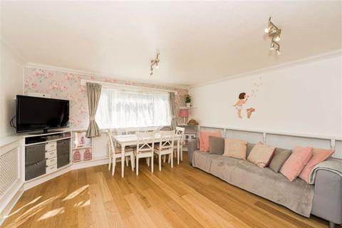2 bedroom flat for sale - Merrymeet, Banstead, Surrey