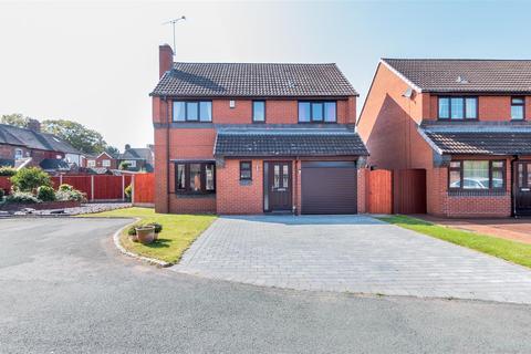 4 bedroom detached house for sale - Vicars Croft, Rugeley, WS15 3JU