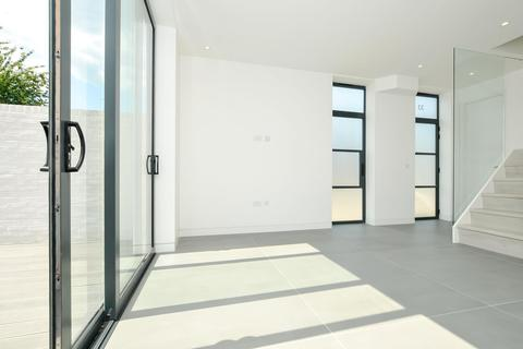 3 bedroom end of terrace house for sale - Crossway, Stoke Newington, London