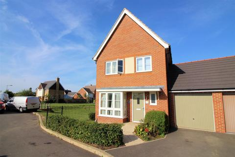 3 bedroom detached house for sale - Pershore Way, Aylesbury