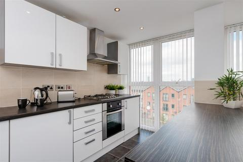 3 bedroom apartment to rent - Cotton Square, Claremont Road, Manchester, M14 7NB
