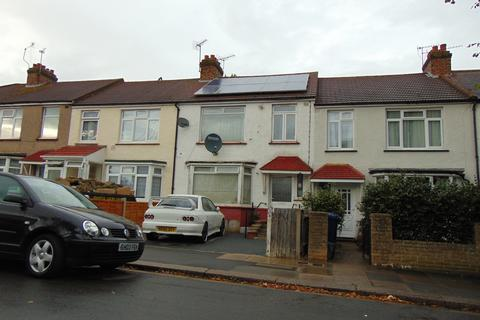 3 bedroom terraced house for sale - Queens Avenue, Greenford UB6