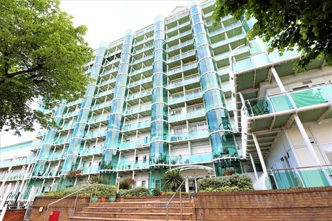 2 bedroom apartment to rent - Sydney Road, Enfield, Greater London, EN2 6SY