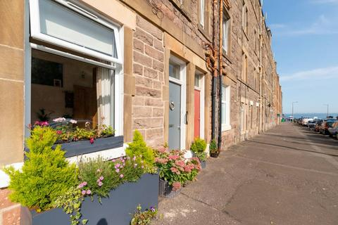 1 bedroom flat for sale - 34 Kings Road, Portobello, EH15 1DY