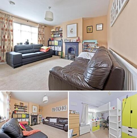 3 bedroom terraced house to rent - Pitt Crescent, London