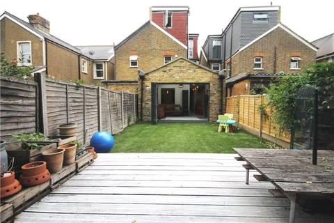 4 bedroom detached house for sale - London Road, Staines-upon-Thames, Surrey, TW18